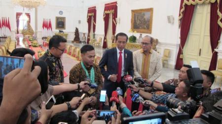 Eko Yuli dan Presiden Joko Widodo - INDOSPORT