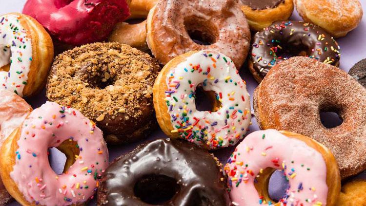 Donat, salah satu makanan yang bisa buat diet Anda gagal. Copyright: Thrillist