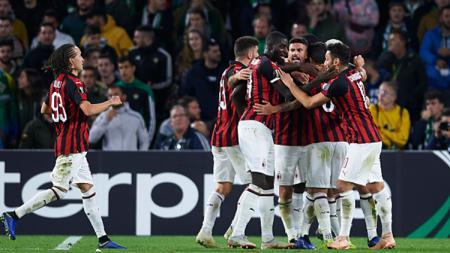 Direktur olahraga AC Milan,Ricky Massara masih ingin memanfaatkan dua bintang buangan Rossoneri yang sempat dikait-kaitkan dengan transfer Angel Correa dari Atletico Madrid. - INDOSPORT