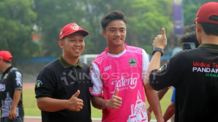 Kiper Timnnas Indonesia U-19, Ernando Ari Sutaryadi mengalami cedera sebelum laga melawan klub Liga 3. - INDOSPORT