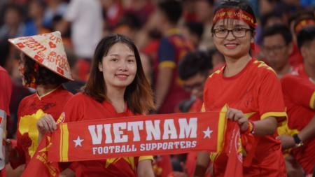 Fans Cantik yang Mendukung Timnas Vietnam - INDOSPORT
