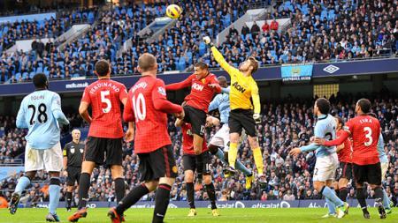 Situasi pertandingan derby Manchester - INDOSPORT