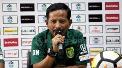 Indosport - Djajang Nurdjaman saat konfrensi pers.