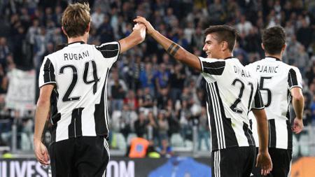 2 Bintang Juventus, Daniele Rugani (kiri) dan Paulo Dybala. - INDOSPORT
