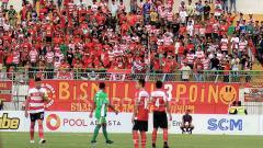 Indosport - Berikut tersaji hasil pertandingan sepak bola Shopee Liga 1 Indonesia 2019 antara Madura United vs Bhayangkara FC, dimana tim tamu mampu menang 2-1.