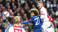 Indosport - Matthijs de Light (paling kanan), pemain Ajax Amsterdam yang ingin dibeli Juventus.