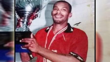 Miro Baldo Bento, pesepak bola mantan Timnas Indonesia sekalgus Timnas Timor Leste saat memperkuat PSM Makassar tahun 2000. - INDOSPORT