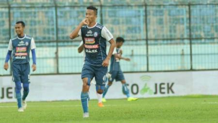 Arema FC vs Perseru Serui dalam lanjutan laga Liga 1. - INDOSPORT