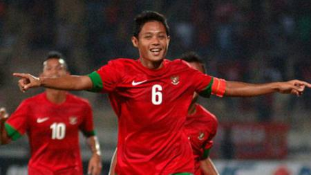 Selebrasi Evan Dimas usai menjebol gawang timor Leste di kualifikasi Piala Asia U-23 2016. - INDOSPORT
