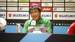 Indosport - Pelatih Timor Leste, Norio Tsukitate saat konfrensi pers jelang pertandingan antara Indonesia vs Timor Leste.