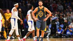 Indosport - Klay Thompson di detik-detik terakhir pertandingan NBA Los Angeles Clippers vs Golden State Warriors.