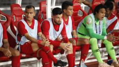 Indosport - Pemain Timnas Indonesia Stefano Lilipaly, saat dibangku cadangan.