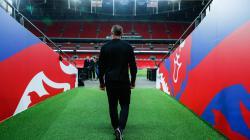 Wayne Rooney saat mengunjungi Stadion Wembley.