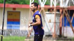 Indosport - Pelatih Persipura Jayapura, Oswaldo Lessa.