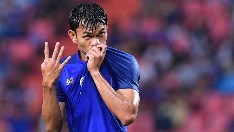 Adisak Kraisorn, pemain Timnas Thailand yang membobol gawang Timor Leste 6 kali di Piala AFF 2018. Copyright: foxsports