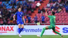 Indosport - Striker Timnas Thailand, Adisak Kraisron.