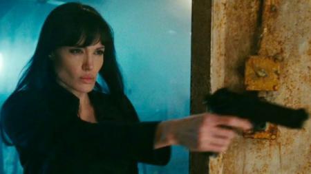 Angelina Jolie di film Salt. - INDOSPORT
