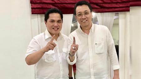 Foto Panpel Persija, Arif Perdana Kusuma bersama Erick Thohir - INDOSPORT