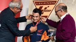 Dani Pedrosa dapat gelar legenda MotoGP.