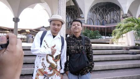 Suporter Timnas Indonesia jauh-jauh dari Solo, Satria dan Alfian.