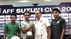 Indosport - Pelatih Thailand, Milovan Rajevac dan Bima Sakti