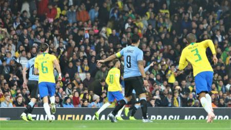 Pertandingan Persahabatan antara Brasil vs Uruguay. - INDOSPORT