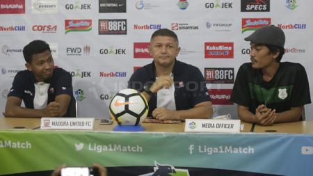 Madura United dan PSMS Medan dalalm jumpa pers - INDOSPORT