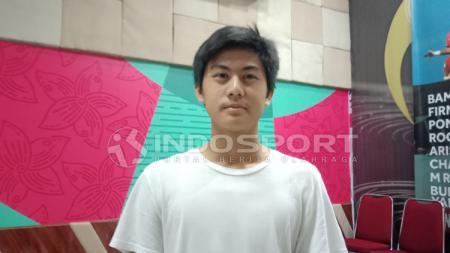 Rendy Juliansyah berhasil mengalahkan dua rekannya,  Bagas Kaffa dan Bagas Adi dalam sebuah turnamen game eSports PES. - INDOSPORT