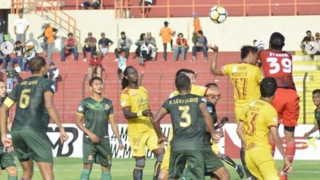 PS TIRA vs Sriwijaya FC. - INDOSPORT