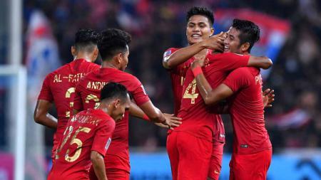 Zulfiandi merayakan gol ke gawang Thailand bersama rekan satu timnya. - INDOSPORT