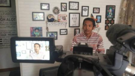 Koordinator Save Our Soccer (SOS) Akmal Marhali. - INDOSPORT