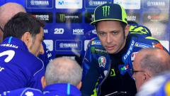Indosport - Pembalap Monster Energy Yamaha, Valentino Rossi, terpaksa DNF setelah mengalami kecelakaan di MotoGP Jepang, Minggu (20/10/19) kemarin.