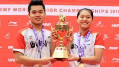 Indosport - Leo Rolly Carnando/Indah Cahya Sari Jamil sukses raih emas BWF World Junior Championships 2018.