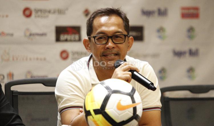 Pelatih Persela Lamongan, Aji Santoso. Copyright: Herry Ibrahim/Indosport.com