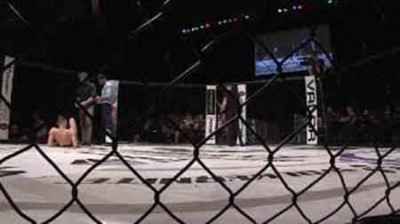 Sebuah pertandingan MMA antara Rodtang Jitmuangnon vs Jonathan Haggerty berakhir penuh haru  setelah seorang petarung melakukan aksi suportif - INDOSPORT