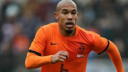 Nigel de Jong yang kini bermain untuk klub Qatar. - INDOSPORT