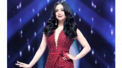 Indosport - Dewi Perssik.