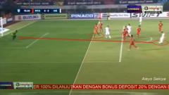Indosport - Gol pemain Vietnam ke gawang Myanmar dianggap offside.
