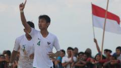 Indosport - Selebrasi Pemain Timnas Sepak Bola Pantai Indonesia