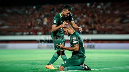 Selebrasi David da Silva saat membobol gawang Bali United. - INDOSPORT