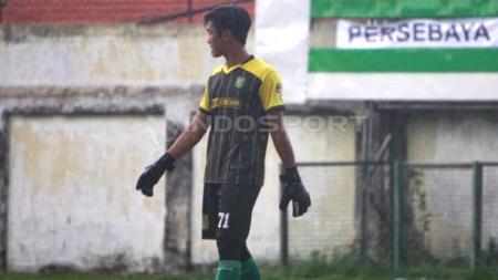 Ernando ketika menghadapi Perseru pada lanjutan elite Pro Academy U-16. - INDOSPORT