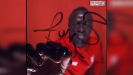 Sadio Mane resmi perpanjang kontrak di Liverpool. - INDOSPORT