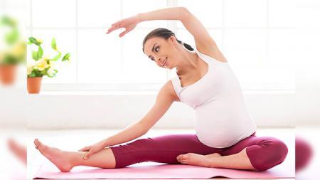 Salah satu teknik yoga untuk ibu hamil. - INDOSPORT