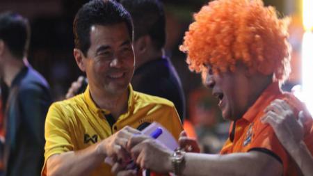 Presiden Nakhon Ratchasima FC, Pilih Mundur dari Jabatanya. - INDOSPORT