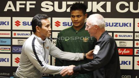 Pelatih dan bek Timnas Indonesia, Bima Sakti, Fachrudin Aryanto, dan Sven-Goran Eriksson, pelatih Timnas Filipina. - INDOSPORT