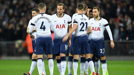 Para pemain Tottenham Hotspur saat berada di lapangan. - INDOSPORT
