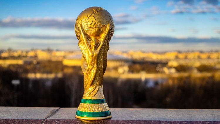 Trofi Piala Dunia. Copyright: Verdict