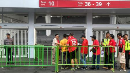 Laga Timnas Indonesia melawan Filipiba di GBK tampak sepi penonton - INDOSPORT