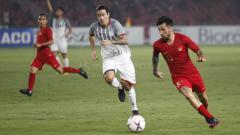 Indosport - Stefano Lilipaly menggiring bola.