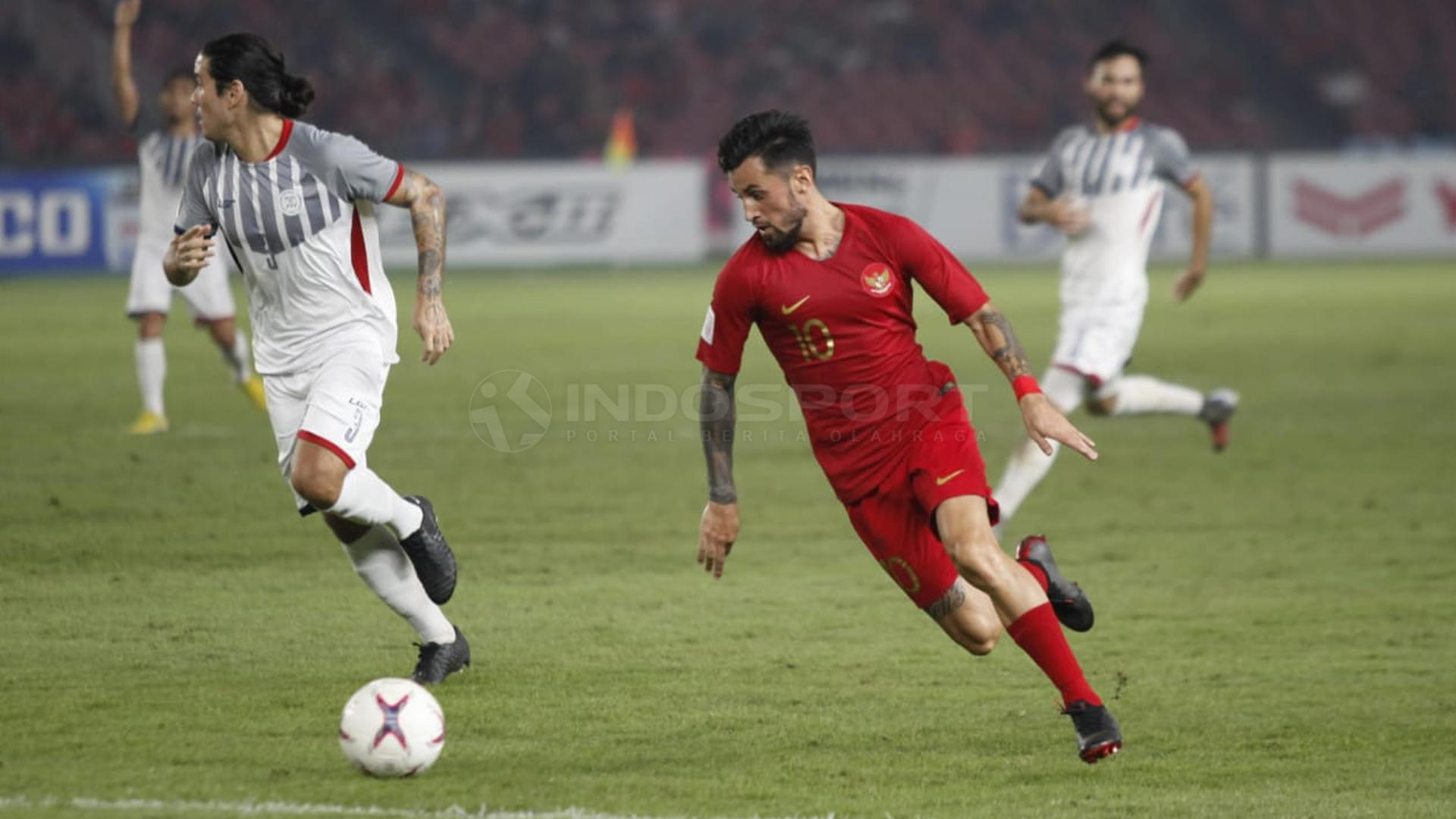 Stefano Lilipaly menggiring bola Copyright: Herry Ibrahim/INDOSPORT